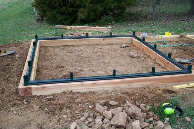 Фундамент из бруса под теплицу из поликарбоната: установка с нуля поэтапно