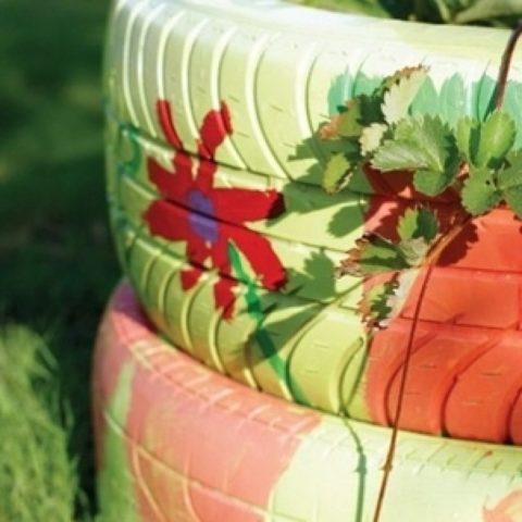 Грядки из шин: простая технология создания красивых грядок из покрышек + фото