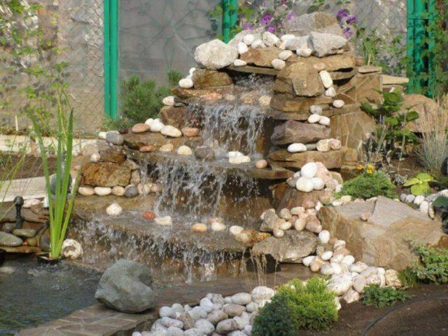 Альпийская горка с фонтаном или водопадом: завораживающие идеи + секреты создания