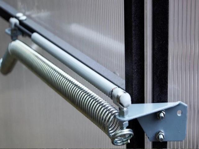 Автоматическое открывание теплицы: термопривод своими руками