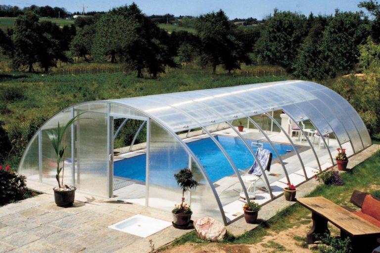 поставить бассейн в теплицу