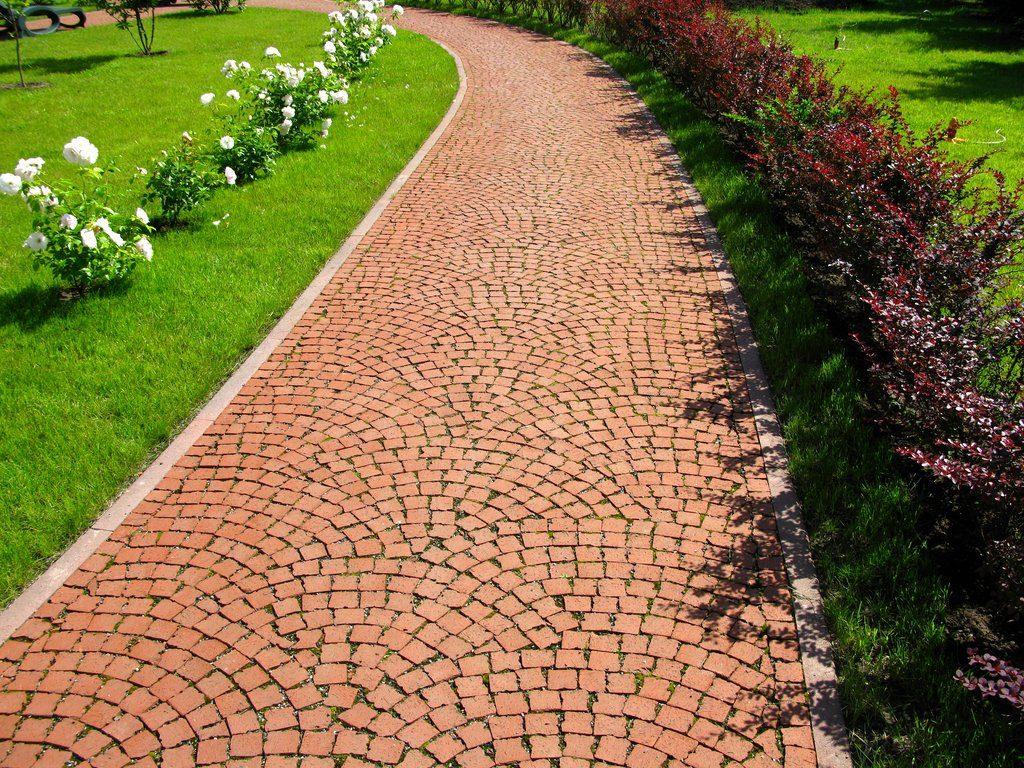 4 лучших варианта оформления садовых тропинок