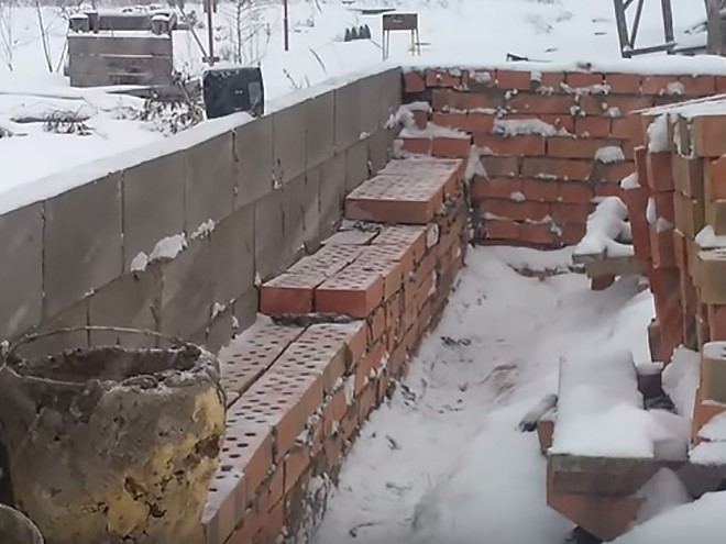 Особенности каменной кладки в зимнее время