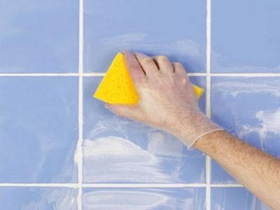 Затирка швов после укладки плитки: подготовка и рабочий процесс