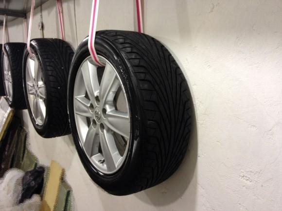 Стеллаж для колес в гараж