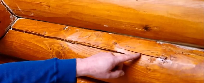 Чем надежно заделать трещины в древесине