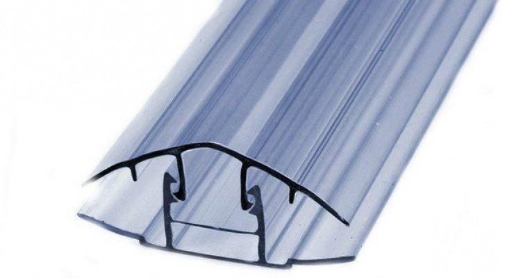 Поликарбонат для теплиц: особенности установки и крепления