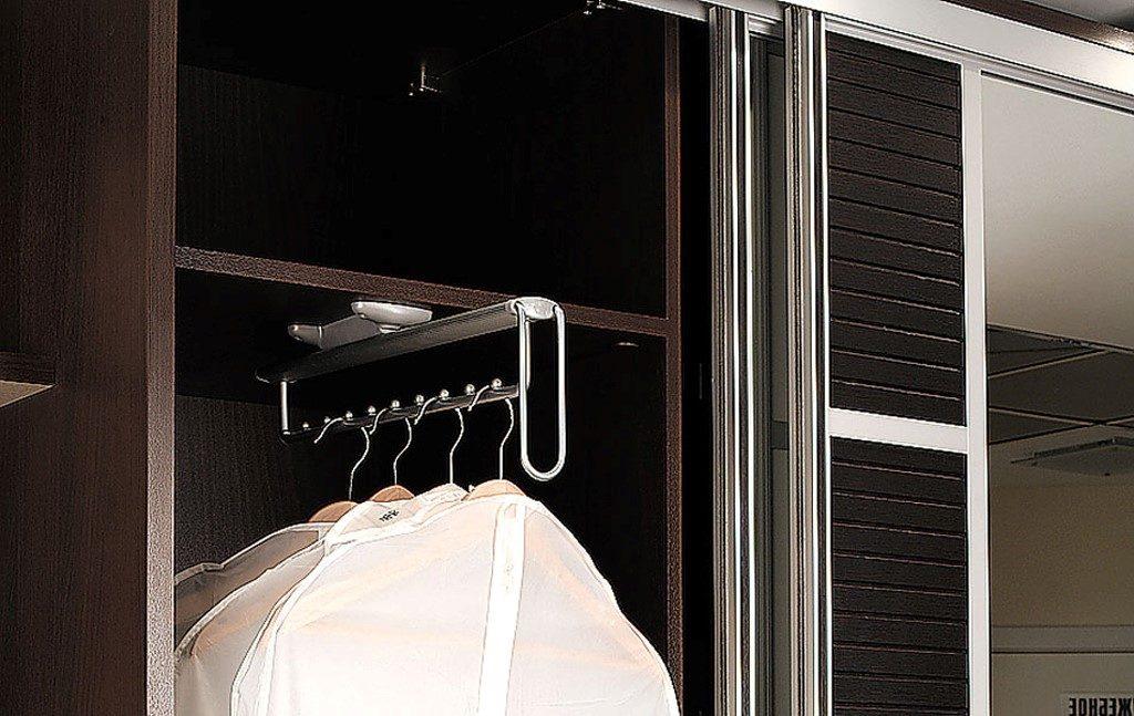 Размещение гардеробной в спальне
