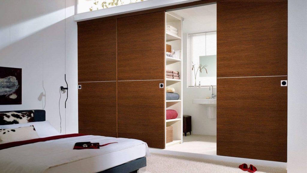 Как подобрать двери для гардеробной?