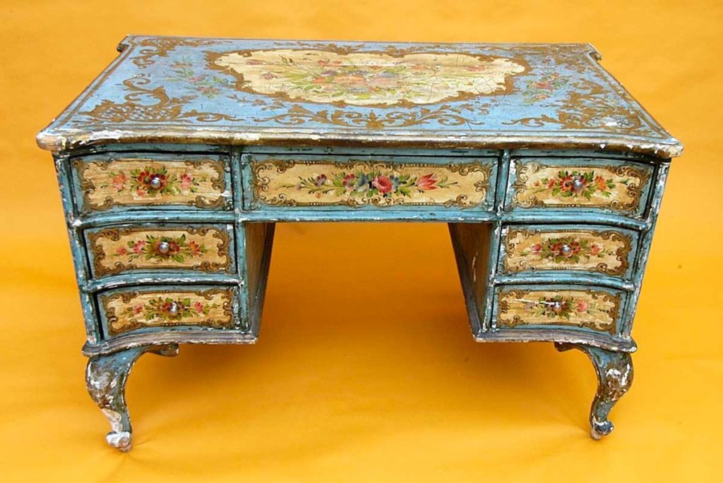 Декорирование мебели своими руками: декупаж, кракелюр, папье-маше, художественная роспись
