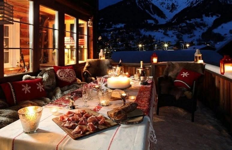 Волшебное преображение: 10 идей новогоднего декора для террасы