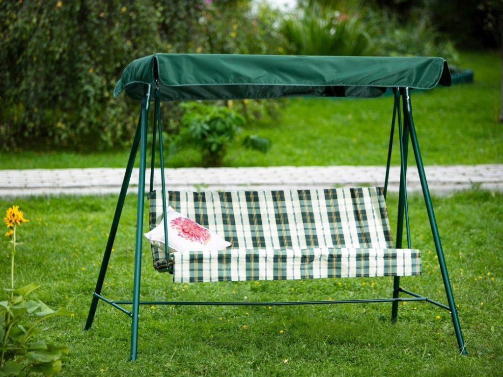 Виды садовых качелей: на что обращать внимание при покупке