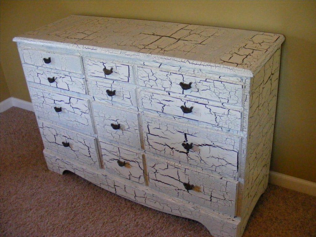 Подарим шкафу новую жизнь: декор мебели своими руками