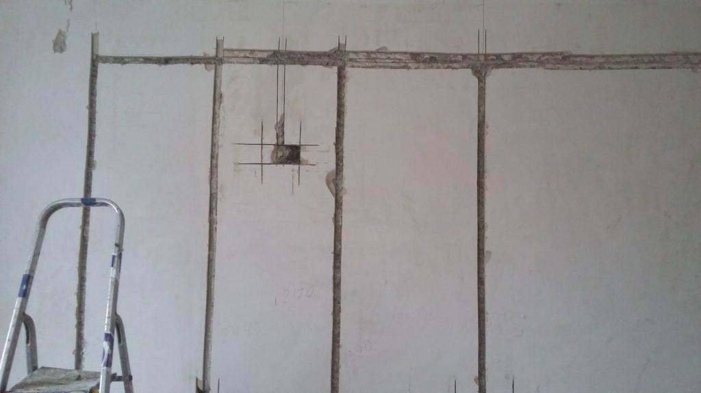 Как правильно штробить стены для проводки, чтобы не получить штраф