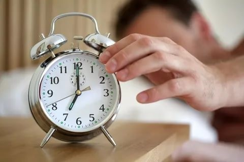 Как правильно выбрать часы для дома, чтобы они вписались в интерьер