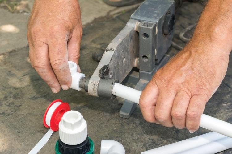 Сравнение свойств и особенностей монтажа полипропиленовых и металлопластиковых труб