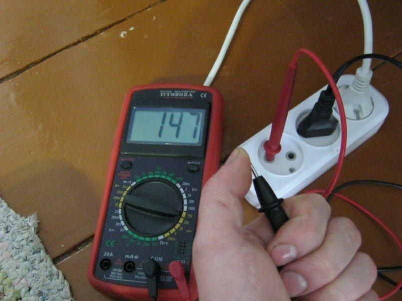 Как можно найти нулевой и фазный провод в электросети