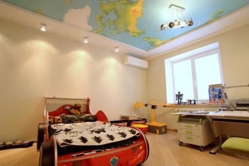 Потолок в детской комнате: какой лучше?
