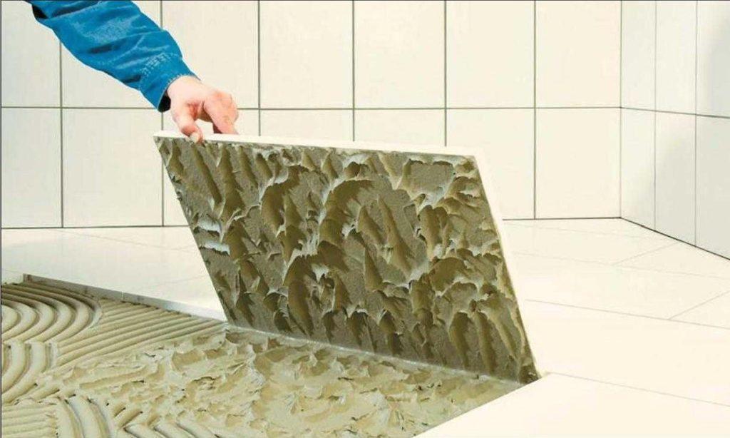 Особенности выбора клея для плитки в ванной