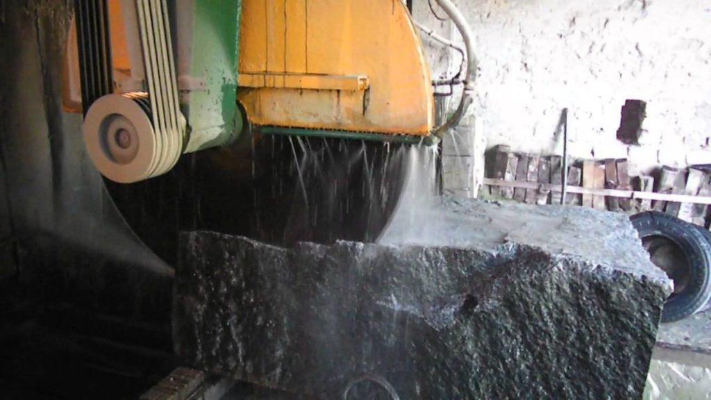 Этапы камнеобработки от добычи сырья до финишной полировки