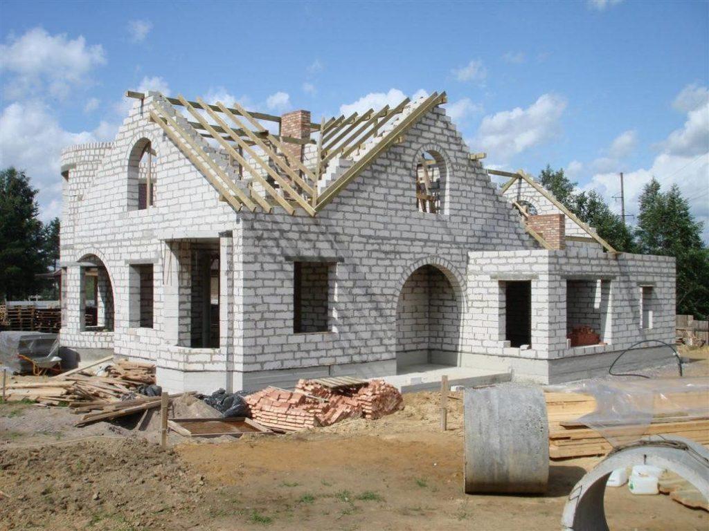 Стоит ли возводить дома из газобетонных блоков