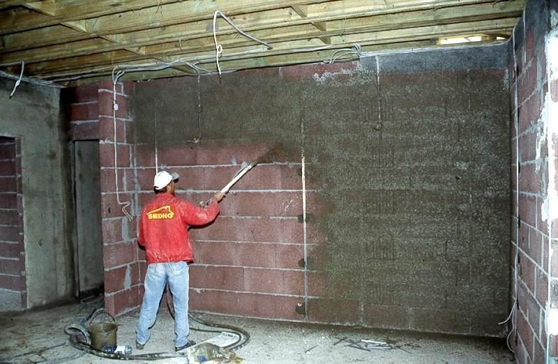 Приоритеты в проведении ремонта гаража своими руками
