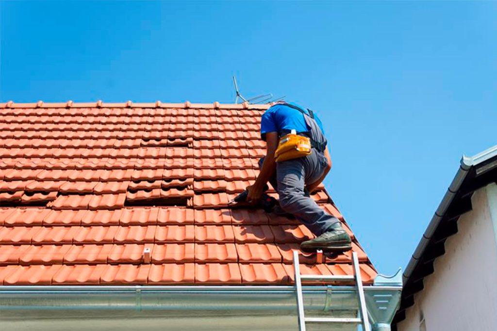 Ремонт крыши частного дома: устранение неполадок и профилактические мероприятия