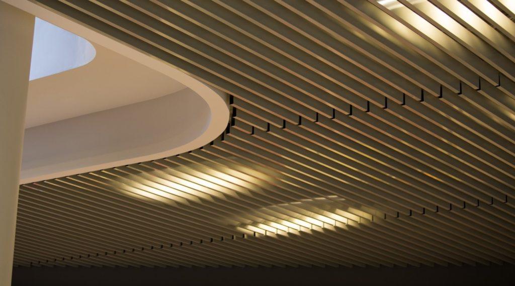 Разновидности подвесных потолков