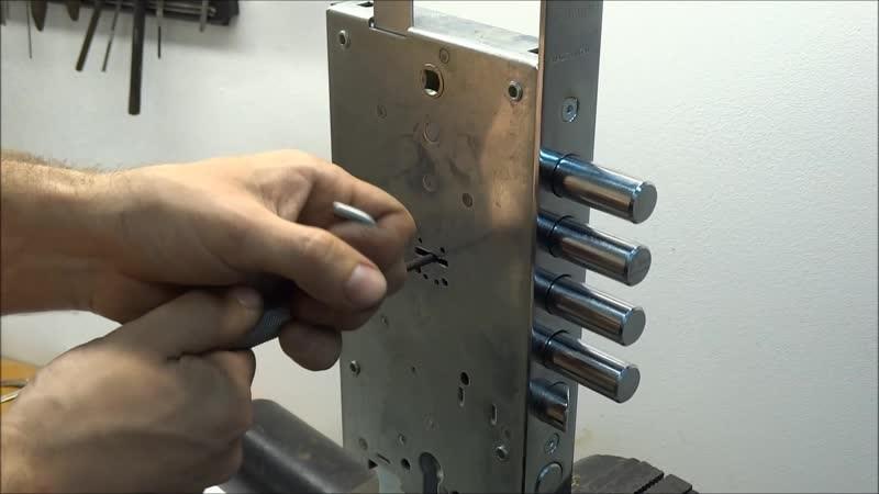 Как открыть замок, если потерялся ключ от гаража