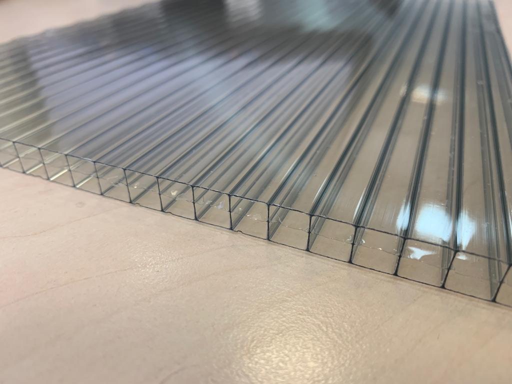 Поликарбонатный текстиль для оборудования тепличных помещений: какой лучше выбрать