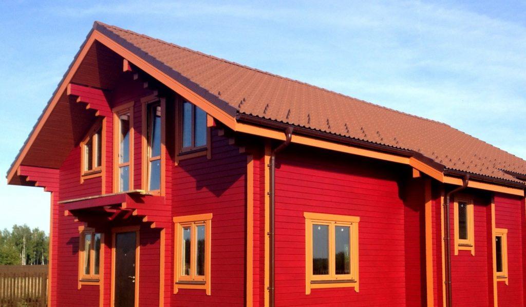 Чем покрасить деревянный дом