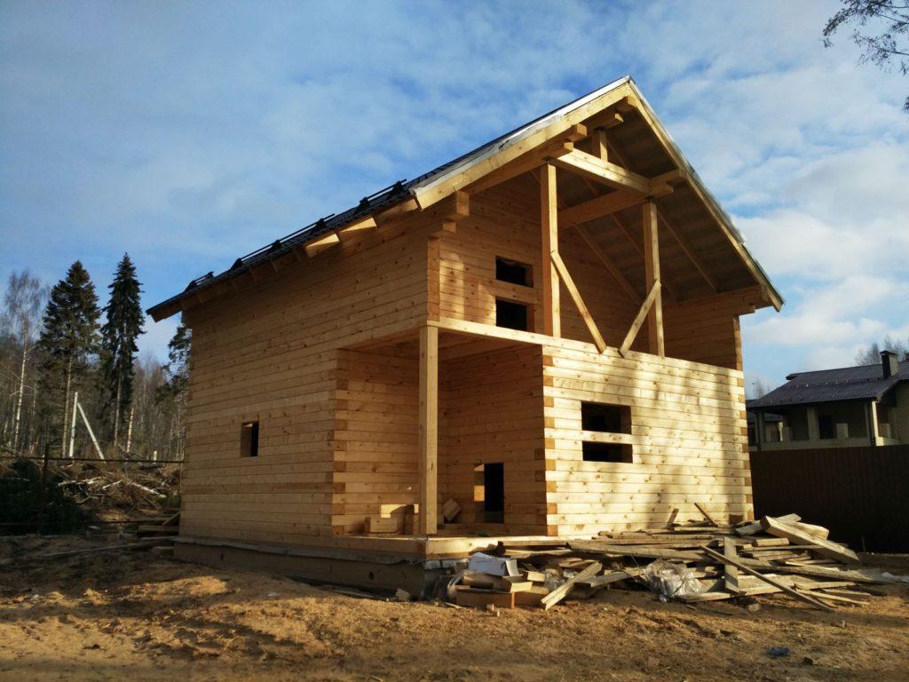 В какое время года лучше строить дом