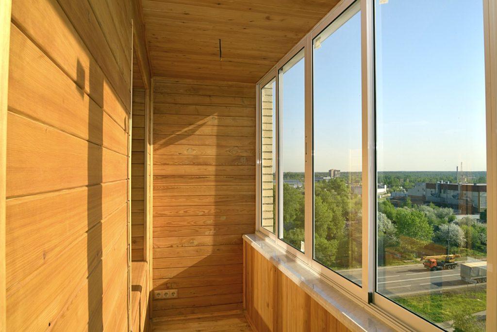 Как превратить балконное помещение в уютное пространство