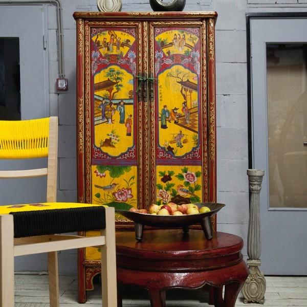 Старый шкаф: выбросить или обновить?