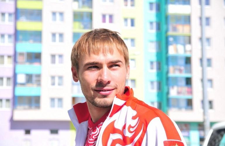 Где проживает спортсмен Антон Шипулин
