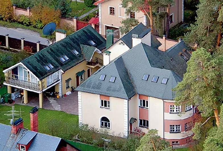 Как выглядит жилье Александра Малинина – короля русских романсов