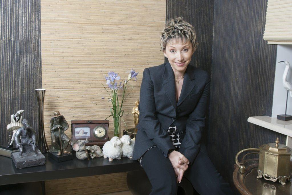 Какой недвижимостью владеет Елена Воробей