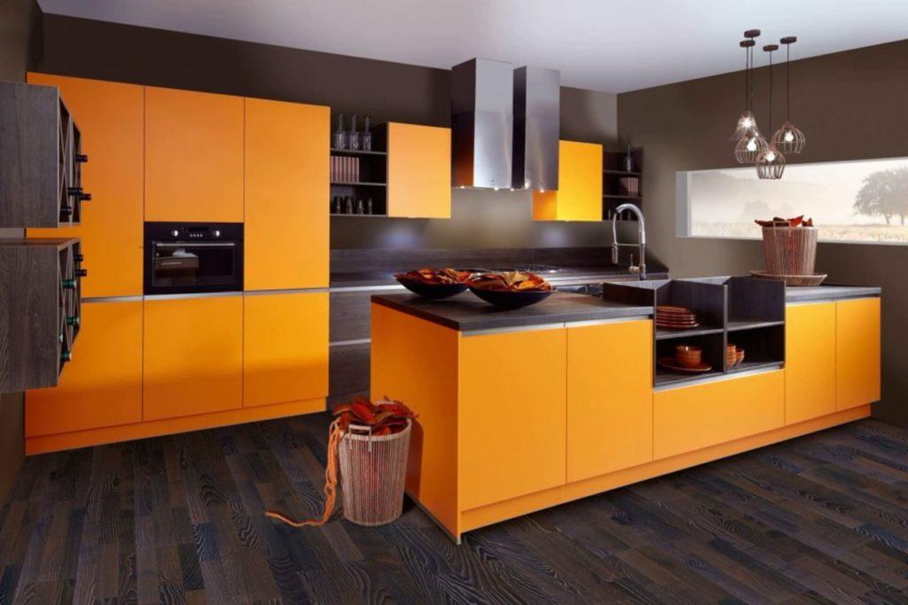 Как подобрать цветовые сочетания в интерьере кухни, чтобы хозяйке было комфортно творить блюда
