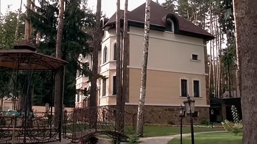 Где живет актер и шоумен Дмитрий Нагиев