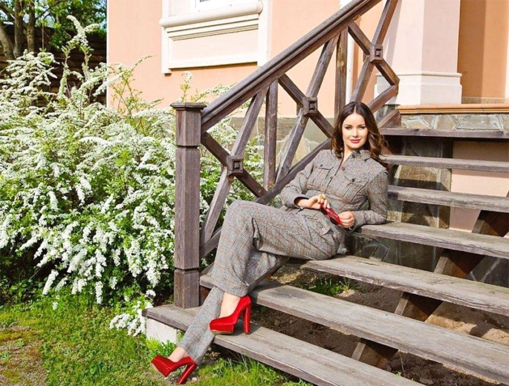 Какой недвижимостью владеет фотомодель Оксана Фёдорова