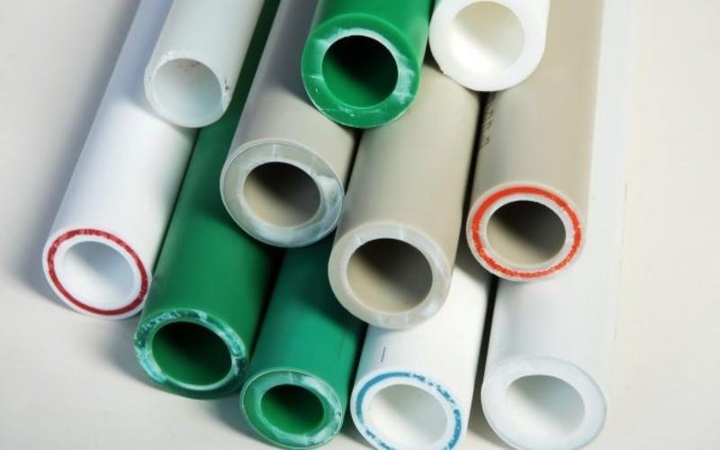 Выбор и самостоятельный монтаж пластиковых труб для домашнего водопровода